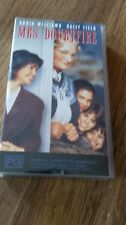 MRS DOUBTFIRE - ROBIN WILLIAMS &  SALLY FIELD -  VHS VIDEO