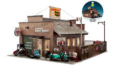 Woodland Scenics BR5846 O Deuce's Cycle Shop Structure Built-&-Ready