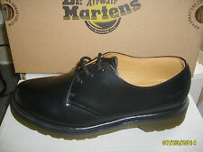 Classic Dr Marten Shoe Size 6- Brand New