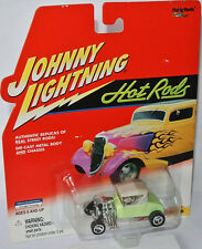 Hot Rods - 1927 FORD T-ROADSTER - lightgreen/white top - 1:64 Johnny Lightning