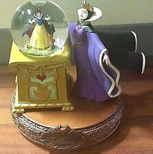 Disney Villains Snow Globe: EVIL QUEEN & Snow White