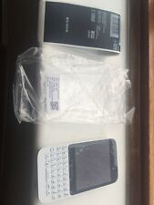 brand new BlackBerry Q5 - 8GB - White (Unlocked) Smartphone next day delivery