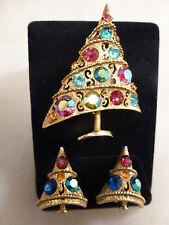 Wonderful Weiss Asymmetrical Gold Tone Christmas Tree Pin and Clip Earrings