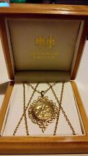 "9ct Oro Giallo St George & LA PERGAMENA del drago Ciondolo & Collana Catena 29"" ***"