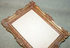 Vtg 1976 IIC Faux Wood Victorian Antique Gold 5x7 Picture Photo Frame