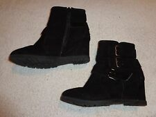 UNISA BLACK BUCKLE & ZIPPER BOOTS WOMENS SIZE 6 M