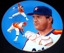 1983 NOLAN RYAN - Autographed (in GOLD) Hackett American Collector Plate. #548