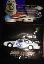 Road Champs NYPD Limited Edition Ford Crown Victoria NiP 1999 with pin 1/43