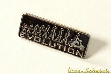 "VESPA Pin / Anstecker ""Evolution"" - V50 Lambretta Scooter Roller Piaggio Retro"
