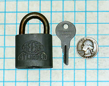 Genuine Vtg Antique Old REESE Lock Co CYLINDER Rustproof Padlock and C273 Key