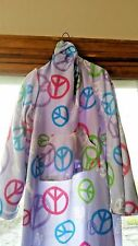 SNUGGIE Peace Love Signs FLEECE BLANKET Purple