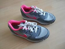 NIKE AIR WINDRUNNER TR2 TRAINERS UK SIZE 5