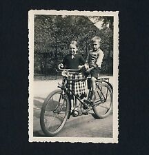 Los niños m bicicleta/Children W Bicycle * vintage photo 1932