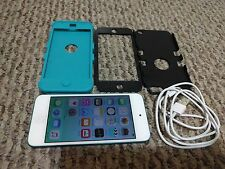 Apple iPod touch 5th Generation Blue 32GB Latest with charger cable BUNDLE