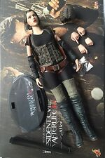 Hot Toys MMS139 Resident Evil Bio Hazard Afterlife Alice 1/6 Figure set