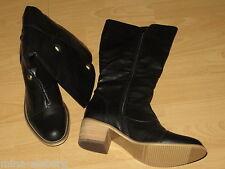 Schuhe Stiefel Gr. 40 Schwarz mit goldenen Nieten NEU ungetragen mit Absatz