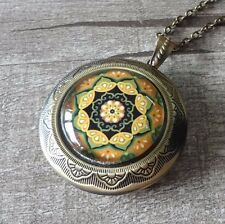 Victorian Flower Pattern Round Vintage Brass Picture Locket Pendant Necklace