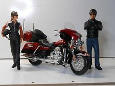 "Maisto/American Diorama 1/12 Harley Davidson Electra Glide with ""Jane and Cash"""