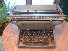 Vintage UNDERWOOD Typewriter R.O.P. 28391 with cover