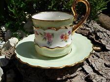 BELLE TASSE A CAFE VERTE ET FLEUR ANCIENNE  porcelaine LIMOGES DORE A L OR FIN