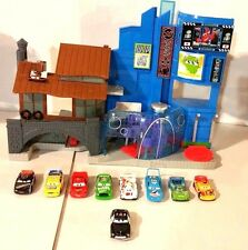 IMAGINEXT DISNEY PIXAR CARS 2 TOKYO & VILLAIN PLAYSET MOVIE WITH 9 CARS