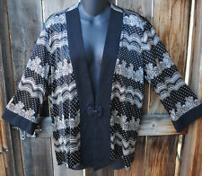 ART TO WEAR BLACK & WHITE SHORT KIMONO TUNIC JACKET IN SILK BY SIMPLY SILK, OS!