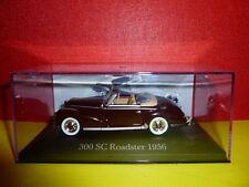 VOITURE IXO ALTAYA = MERCEDES BENZ 300 SC ROADSTER 1956 BORDEAUX & BOITE PLEXI