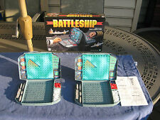 Battleship Game Excellent Condition 1998 2 Battleship Boards, 10 boats and pegs!