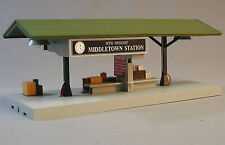 MTH LIGHTED MIDDLETOWN STATION OPERATING FREIGHT PLATFORM o gauge train 30-9184
