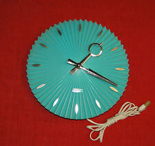 VINTAGE MCM SPARTUS KITCHEN CLOCK TURQUOISE PLEATED PLASTIC ELECTRIC MADE IN USA