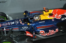SEBASTIAN VETTEL 1 18 RED BULL RB8 BRAZIL WORLD CHAMPION 1:18 Minichamps BNIB