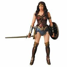 Batman v Superman: Dawn of Justice Wonder Woman MAFEX Action Fig - New in stock