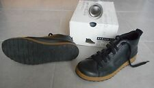 OAKLEY chaussure homme taille 42 comme NEUVE