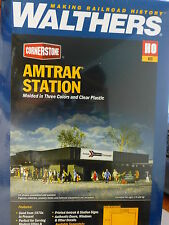Walthers Cornerstone HO #3038 Amtark Station (Building is being Retired)  Kit