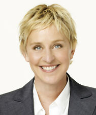 Ellen DeGeneres UNSIGNED photo - H795 - GORGEOUS!!!!