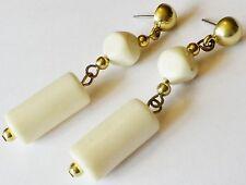 boucles d'oreilles percées bijou vintage 80 couleur or tubes blanc cassé 10