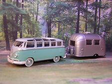 1962 62 VW VOLKSWAGEN BUS + AIRSTREAM CAMPER COLLECTIBLE MODELS OR 1/64 DIORAMA