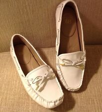 ANDREW STEVENS Women's Caden White Patent Leather Flat Moccasin Loafers Size 10