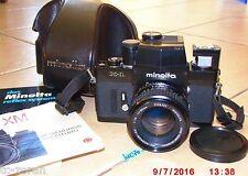 MINOLTA X-1 analoge Spiegelreflexkamera mit 1 Minolta - Objektiv (W0070)