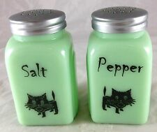 JADITE GREEN GLASS SCARED OR SPOOKED BLACK KITTY CAT ARCH SALT & PEPPER SHAKERS