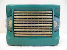 VINTAGE OLD 1950s ZENITH MID CENTURY ANTIQUE SOLID COLOR  PLASTIC TUBE RADIO