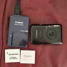 CANON Ixus 100 IS 12 Mp avec son chargeur, 2 batteries et une carte SD de 256 Mb