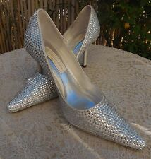 New $369 Werner Kern Bridal Silver Satin Swarovski Crystal Shoes Pumps Heels 9