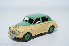 DINKY TOYS 159 MORRIS OXFORD TWO TONE GREEN CREAM EXCELLENT CONDITION