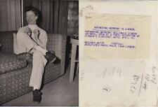 Katharine Hepburn. Fotografía. La artista en Londres. Tamaño 21 x 15,50 Ctros.