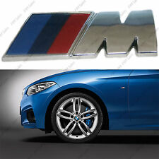 M sport in metallo con logo piccolo 45 X 15 LATI WING FENDER CROMATO ANTERIORE decalcomanie Badge BMW
