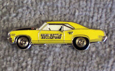 HAT PIN ~ 2007 BEAM BOTTLE COLLECTORS ~ YELLOW CAR