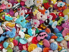 100  Very pretty mix of resin buttons, ideal for crafts etc., FIRST CLASS POST
