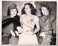 Capital Airlines Giddy Miss Capitaliner Sash Girl & Fashion Fur Women Vtg Photo