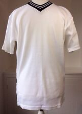 "NEW Man's GlobeTrotter Quality White Ribbed T-shirt Black V Neck Collar 40"" Mens"